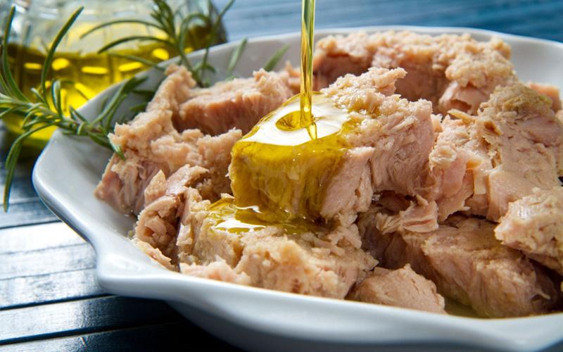 insalata di lattuga e tonno per dimagrire