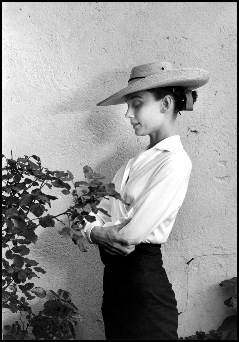"Inge Morath, Audrey Hepburn sul set di ""Unforgiven"", Messico, 1959, © Fotohof archiv/Inge Morath/ Magnum Photos"
